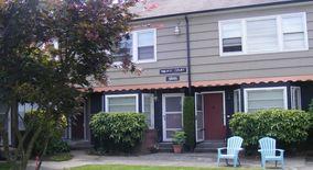 Similar Apartment at 2222 Ne Pacific Street