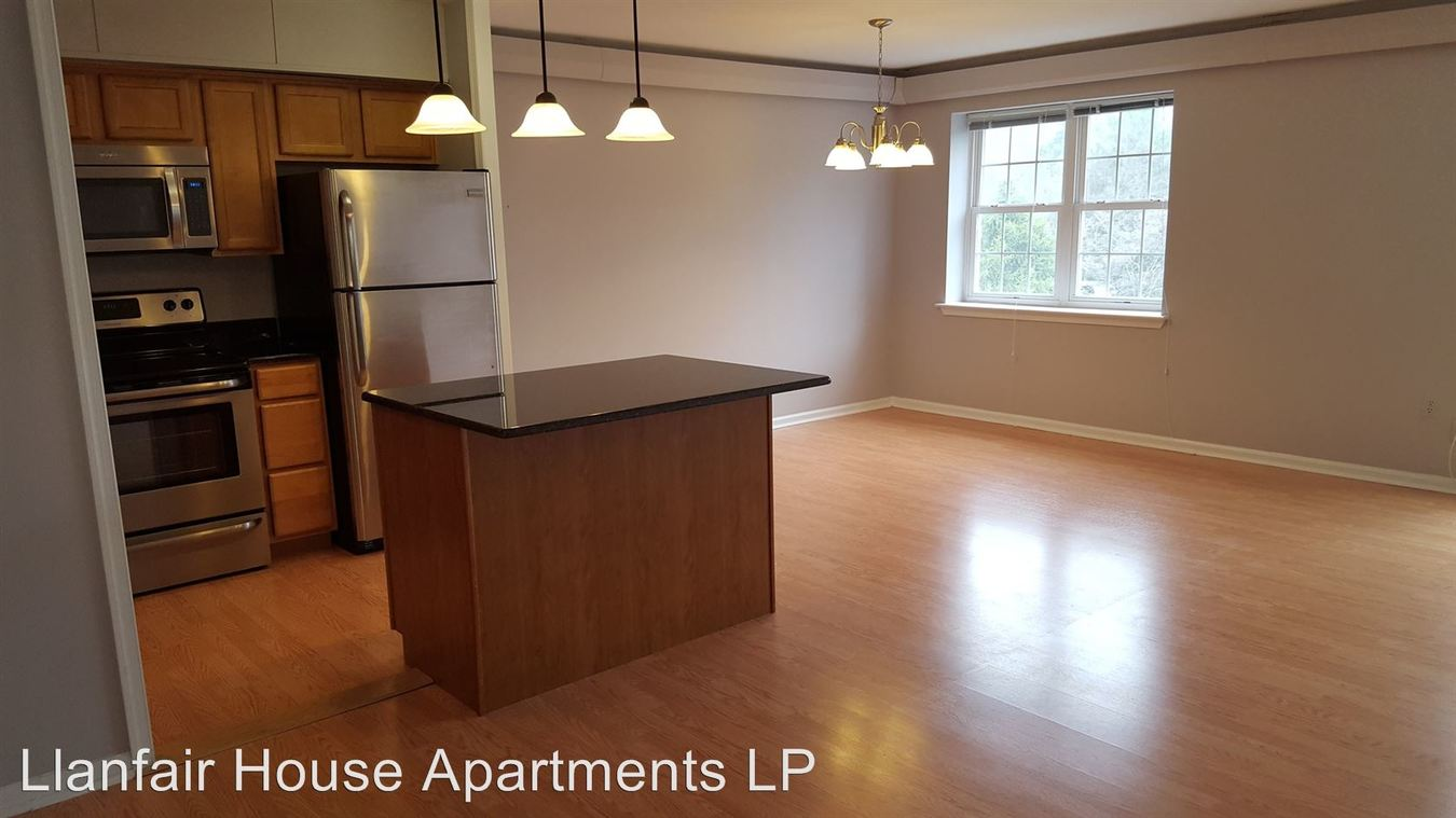 2 Bedrooms 1 Bathroom Apartment for rent at 17 Llanfair Road in Ardmore, PA