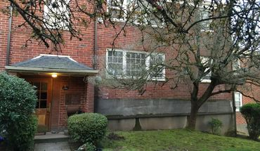 Similar Apartment at 5595 Ne Sandycrest Terrace,