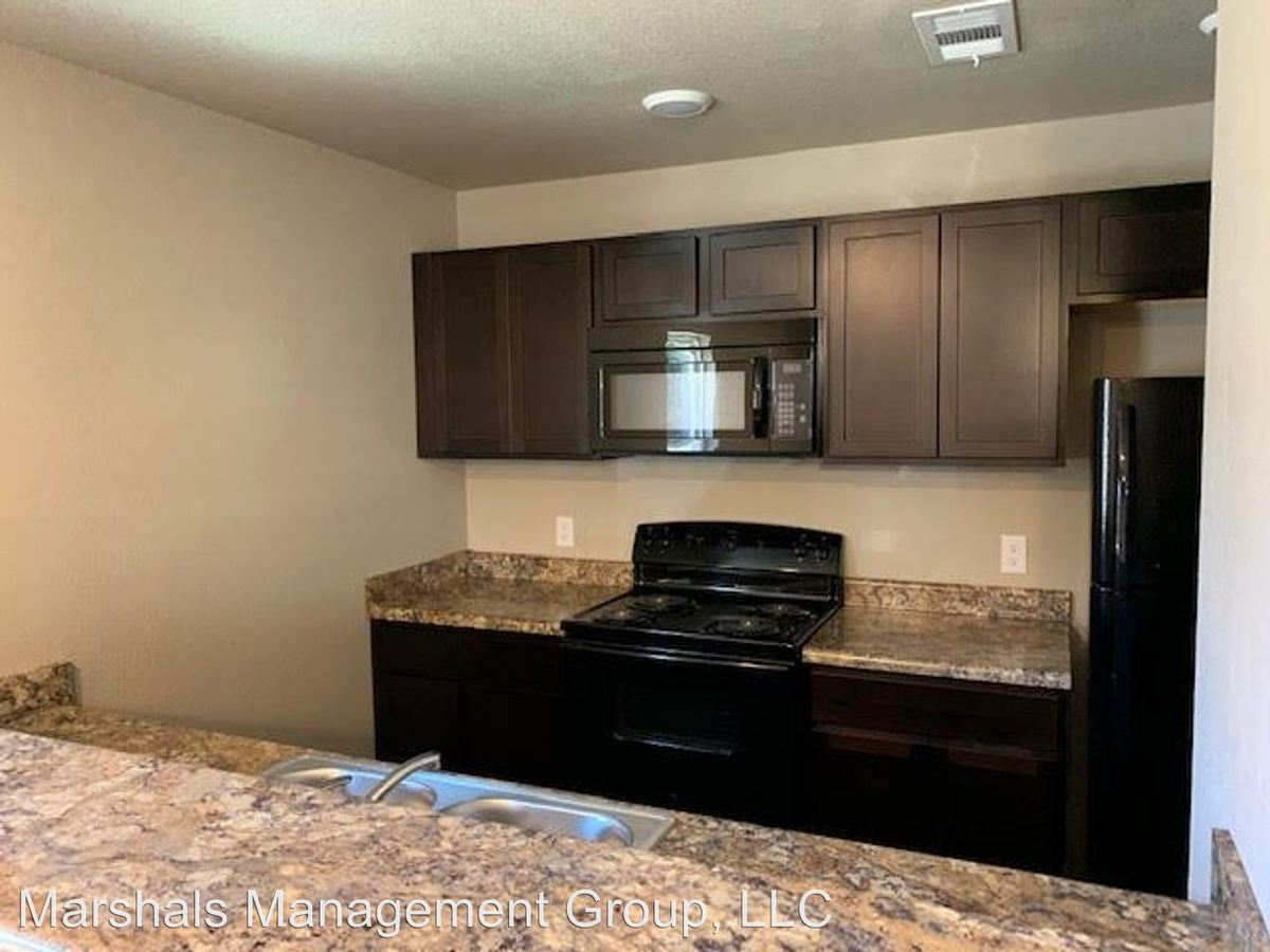 3 Bedrooms 2 Bathrooms Apartment for rent at 1810 A/b South T in Fort Smith, AR