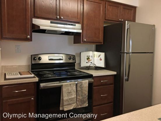 2 Bedrooms 1 Bathroom Apartment for rent at Benson Village 10820 Se 211 Th Place in Kent, WA
