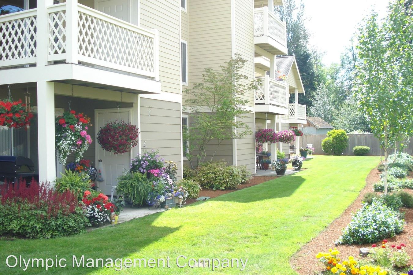 Willow Springs Apts 608 39th Ave Sw Puyallup, WA Apartment