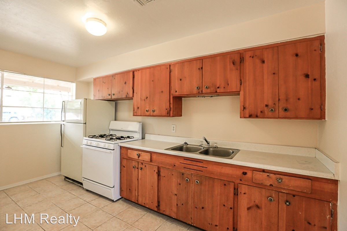 1 Bedroom 1 Bathroom Apartment for rent at 10648 N 15th Ave in Phoenix, AZ