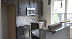 Similar Apartment at 2609 N Halsted St, Chicago, Il 60614