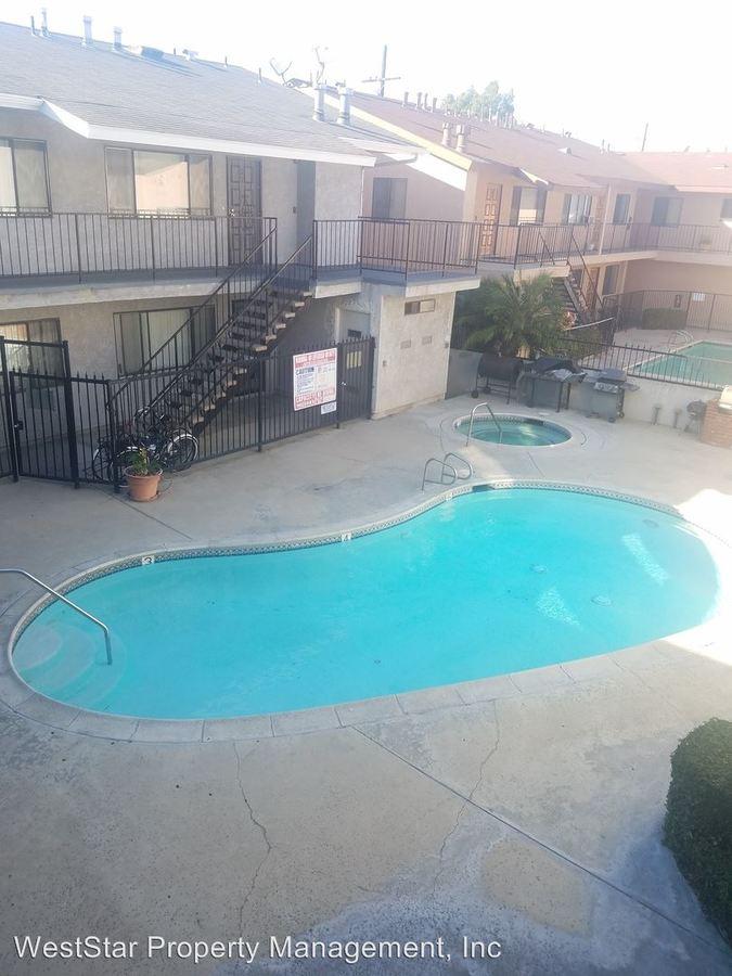 Studio 1 Bathroom Apartment for rent at 14428 Cerise Ave in Hawthorne, CA