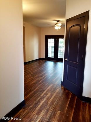 3 Bedrooms 2 Bathrooms Apartment for rent at 4500 4510 Westport Woods Lane in Louisville, KY
