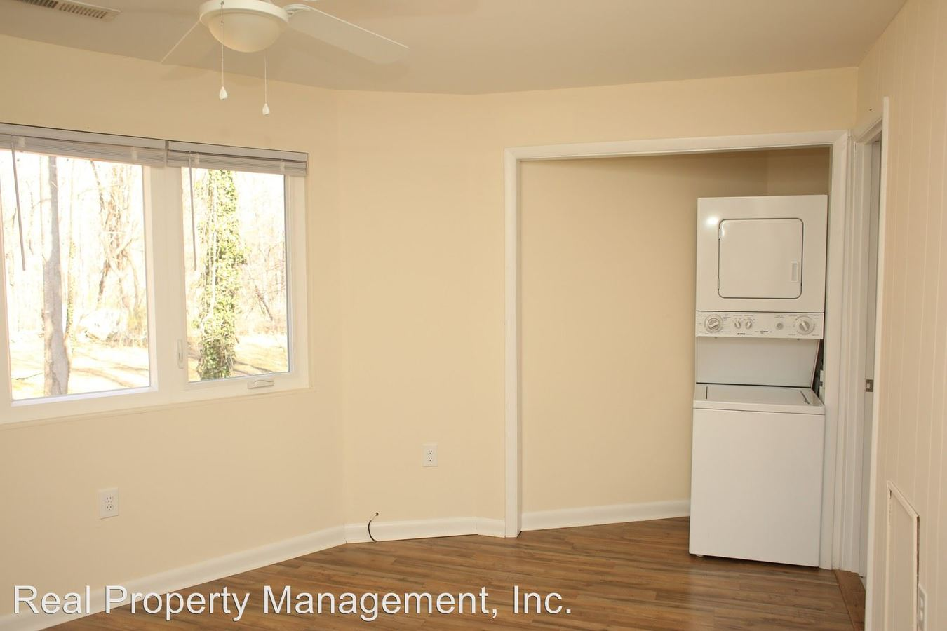 2 Bedrooms 1 Bathroom Apartment for rent at 1056 Reservoir Rd in Charlottesville, VA