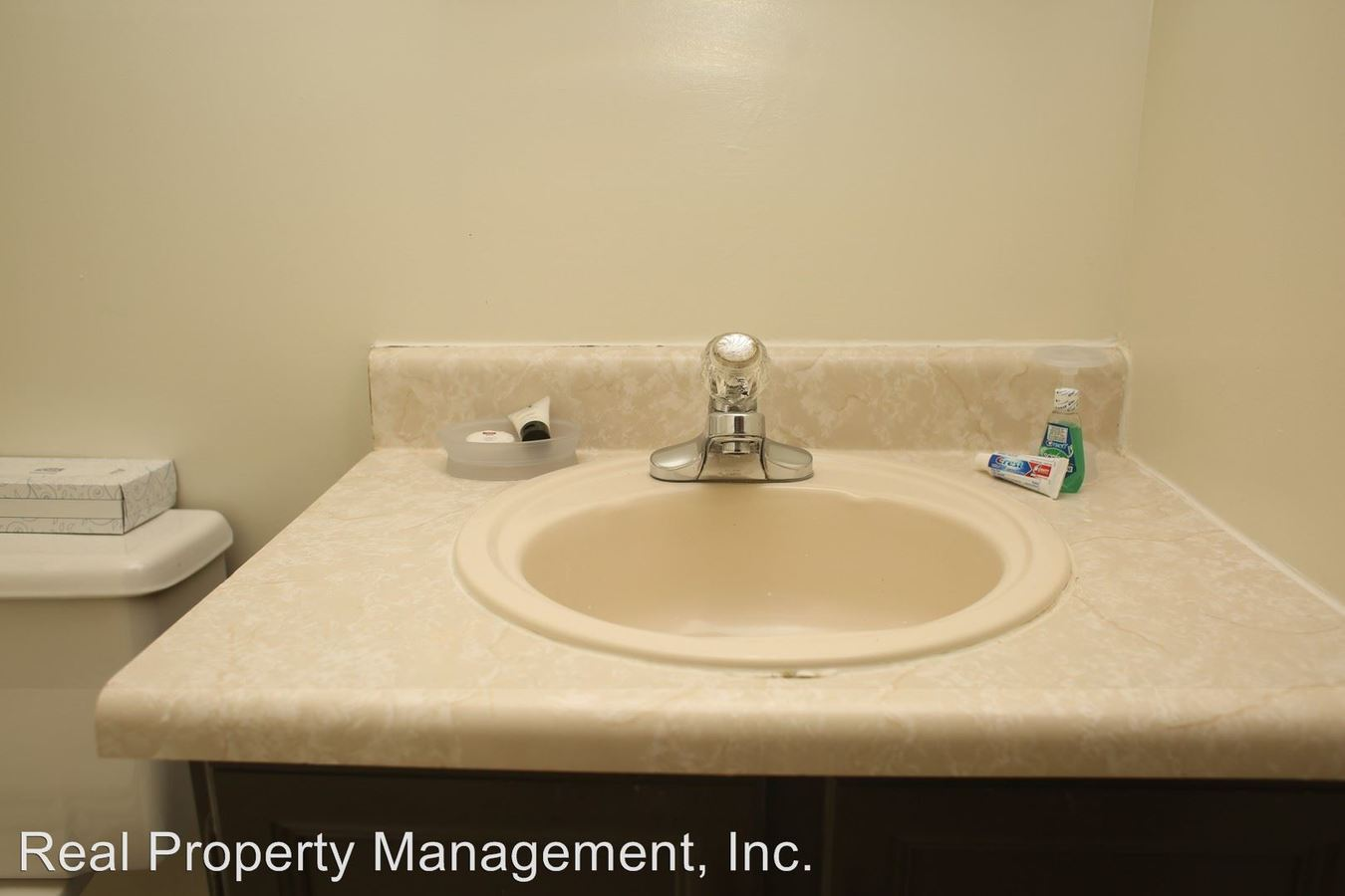 3 Bedrooms 2 Bathrooms Apartment for rent at 2021 Ivy Rd in Charlottesville, VA