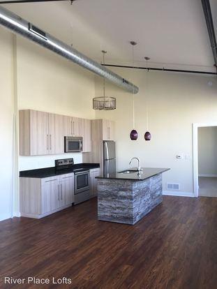1 Bedroom 2 Bathrooms Apartment for rent at 625 W Freshwater Way in Milwaukee, WI