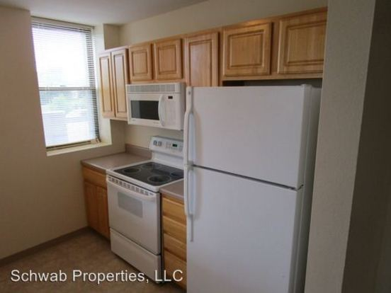 2 Bedrooms 2 Bathrooms Apartment for rent at 1120 E Parkway Ave in Oshkosh, WI