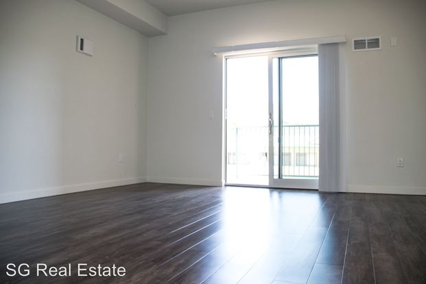 Studio 1 Bathroom Apartment for rent at 1812 University Avenue in Berkeley, CA