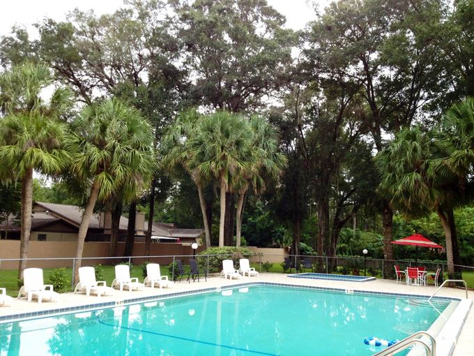 2 Bedrooms 1 Bathroom Apartment for rent at 1715 Ne 36th Avenue Apt. 5 in Ocala, FL