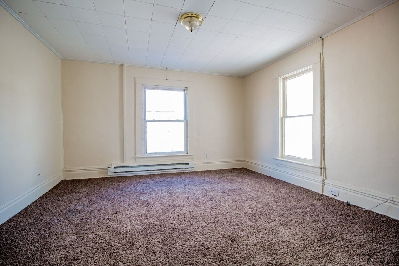 1 Bedroom 1 Bathroom Apartment for rent at 290 Wiles Street in Morgantown, WV