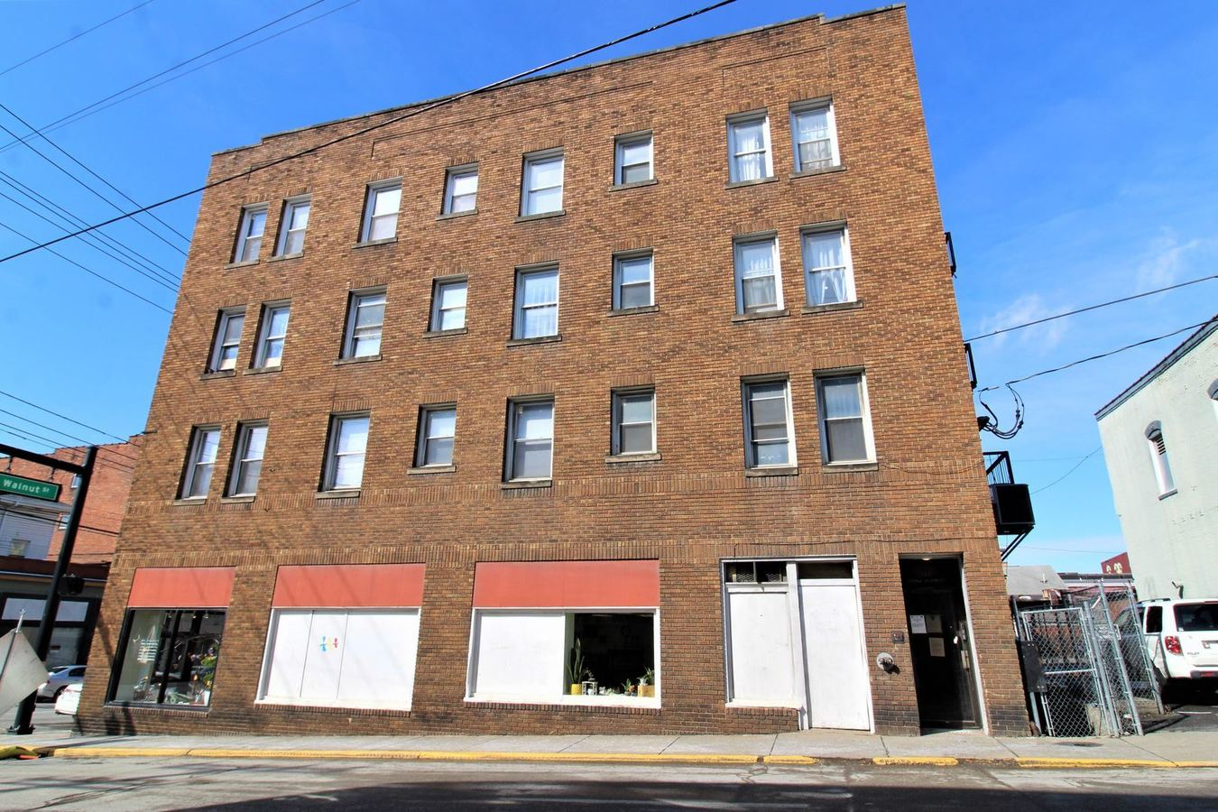 1 Bedroom 1 Bathroom Apartment for rent at 311 Spruce, 241/243/245 Walnut in Morgantown, WV