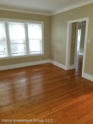 3 Bedrooms 1 Bathroom Apartment for rent at 7736 38 S Colfax Avenue 7736 38 S Colfax Avenue in Chicago, IL