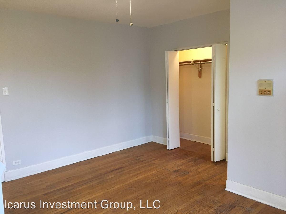 Studio 1 Bathroom Apartment for rent at 4344 S Ellis Ave in Chicago, IL