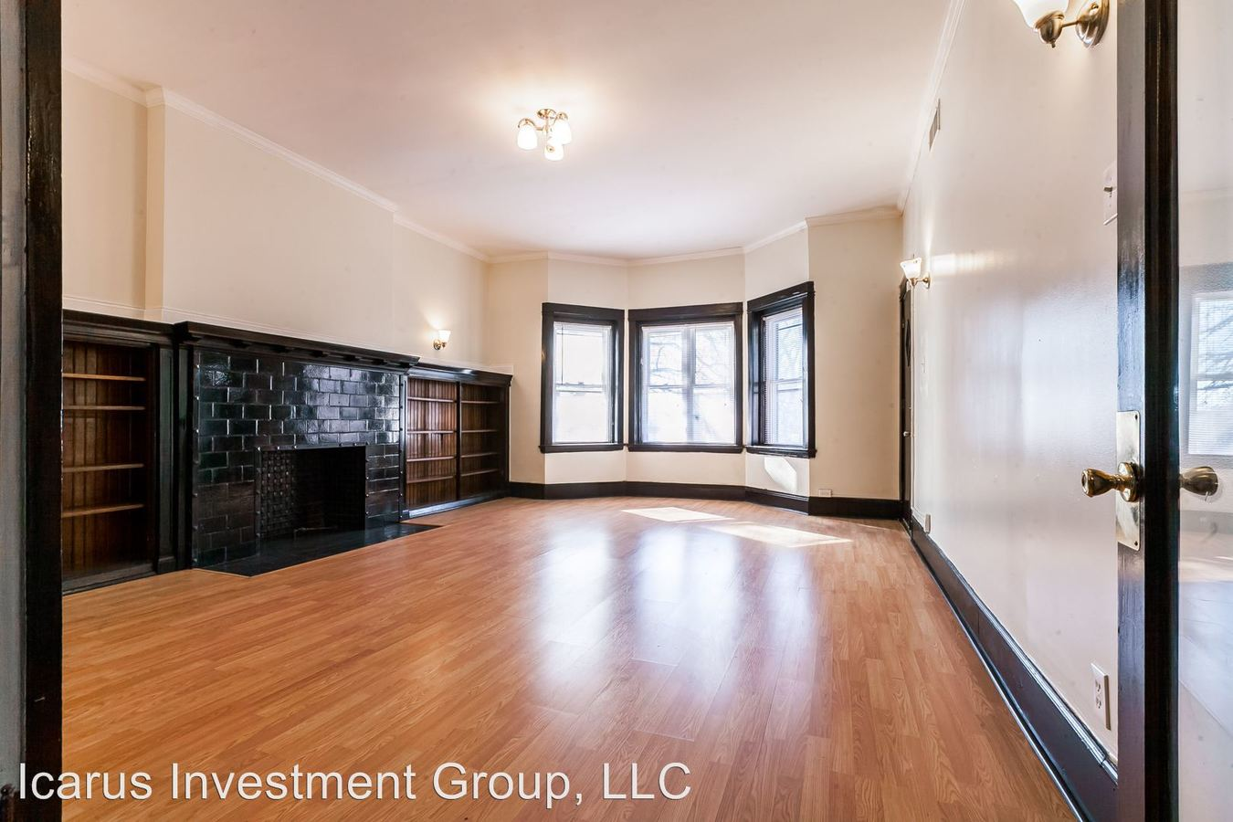 3 Bedrooms 3 Bathrooms Apartment for rent at 3839 - 3843 South Michigan Avenue in Chicago, IL