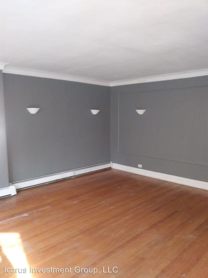 3 Bedrooms 2 Bathrooms Apartment for rent at 7839 S Phillips Ave in Chicago, IL