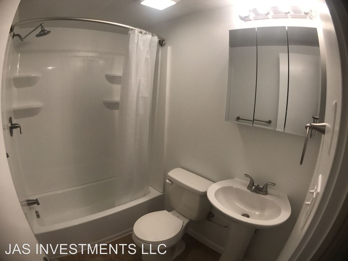 2 Bedrooms 1 Bathroom Apartment for rent at 44 Mcconnell Road in Cecil, PA