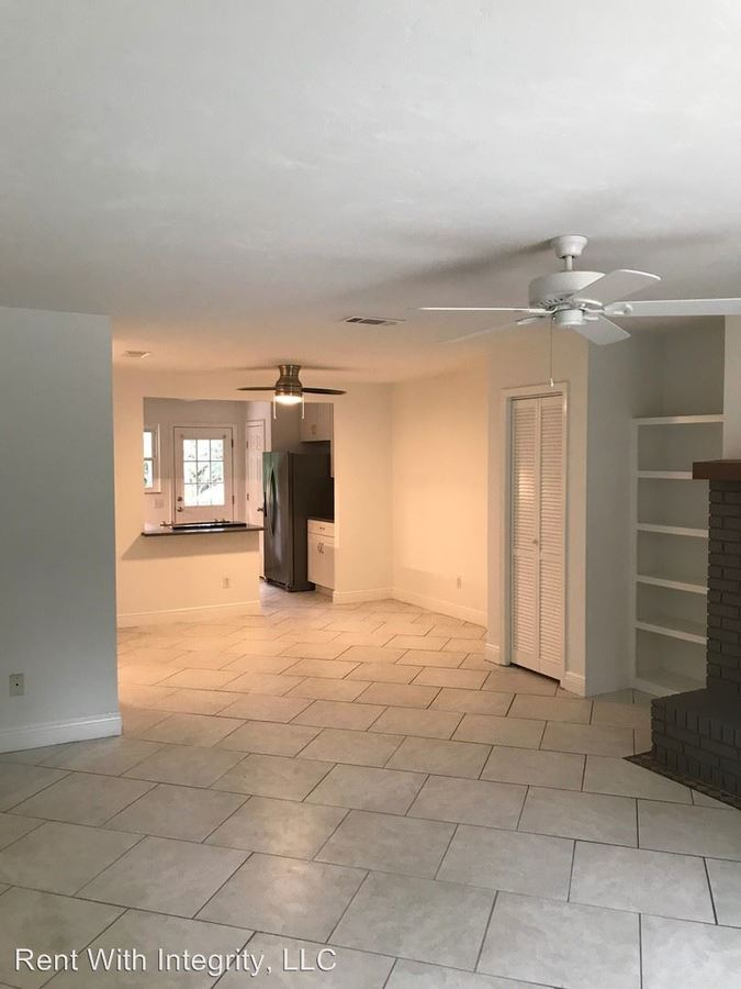 2 Bedrooms 1 Bathroom Apartment for rent at Pullen Rd in Tallahassee, FL