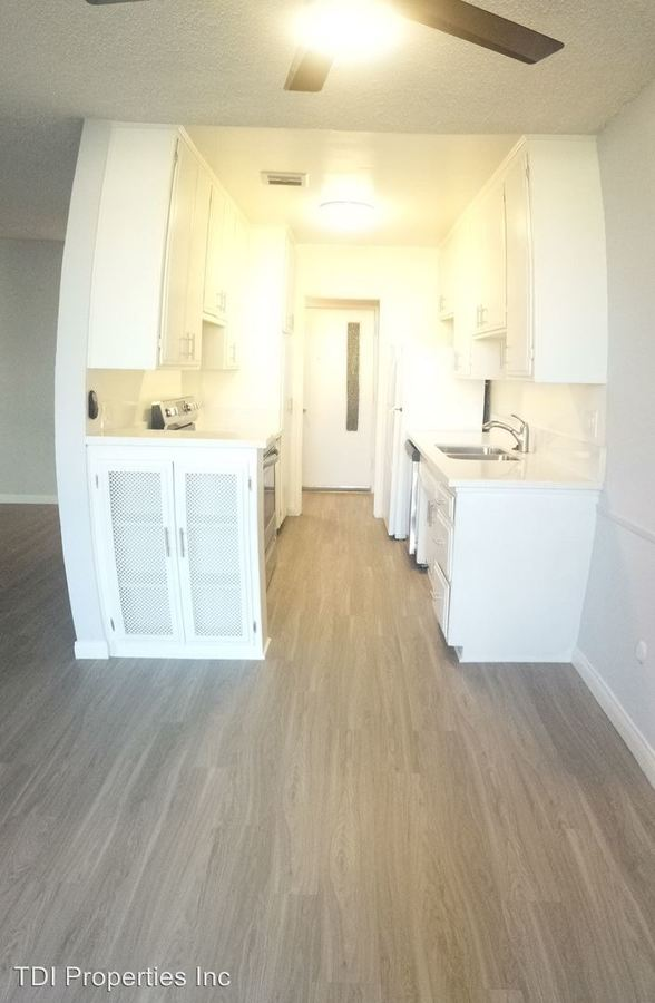 3 Bedrooms 2 Bathrooms Apartment for rent at 8011 W. Romaine Street in Los Angeles, CA