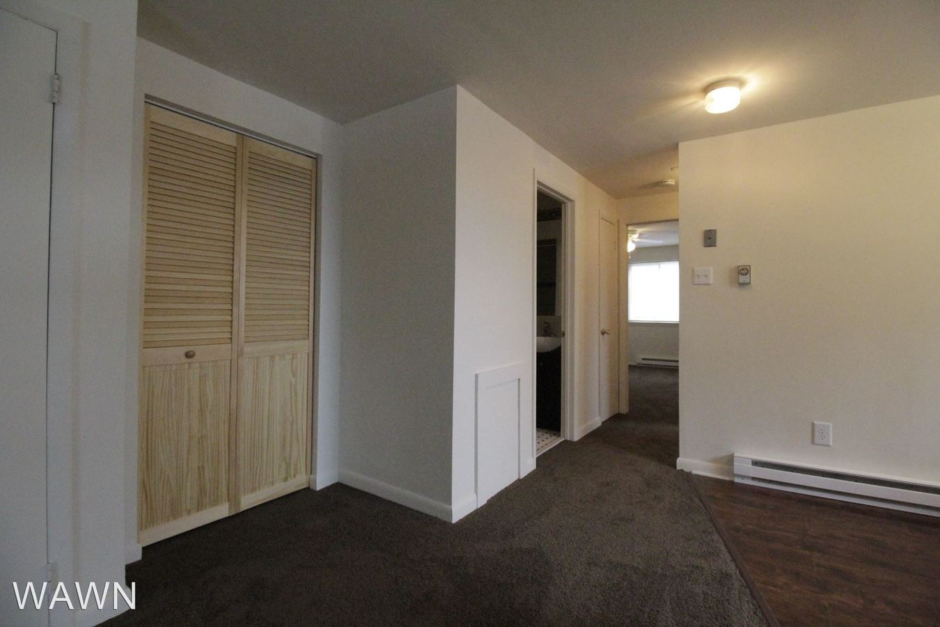 2 Bedrooms 1 Bathroom Apartment for rent at 617 N White Horse Pike in Lindenwold, NJ