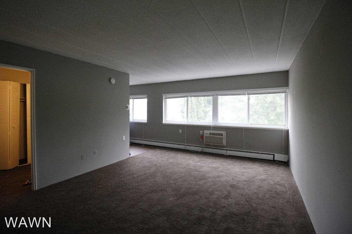 Studio 1 Bathroom Apartment for rent at 309 N White Horse Pike in Somerdale, NJ