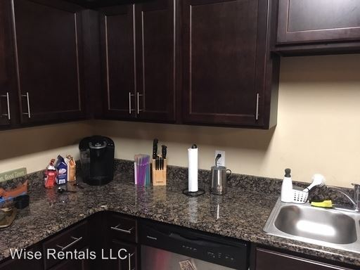 3 Bedrooms 2 Bathrooms Apartment for rent at 940 S National in Springfield, MO