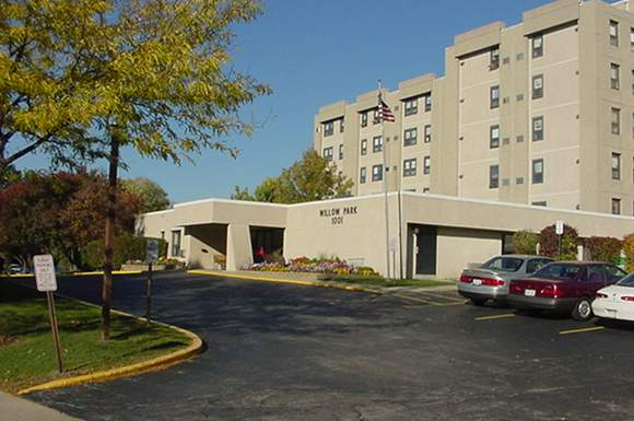 1 Bedroom 1 Bathroom Apartment for rent at Willow Park Apartments in Waukesha, WI