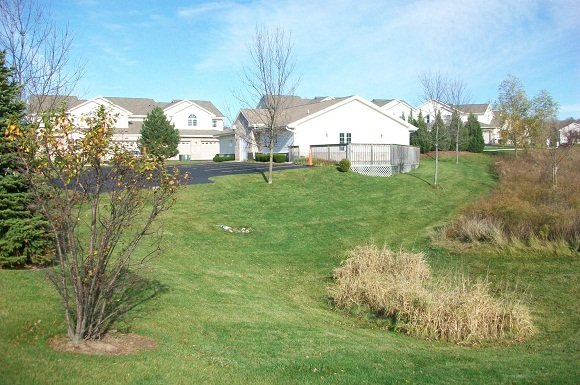 1 Bedroom 1 Bathroom Apartment for rent at 13070 W Bluemound Rd in Elm Grove, WI