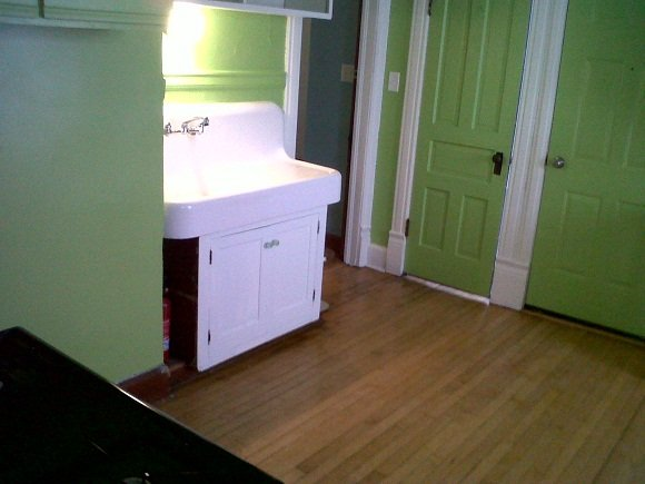 2 Bedrooms 1 Bathroom Apartment for rent at 1076 N 47th Street in Milwaukee, WI