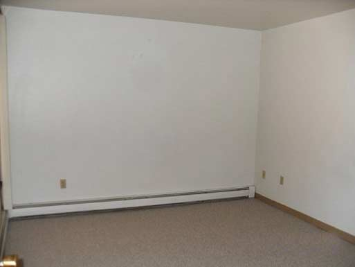 1 Bedroom 1 Bathroom Apartment for rent at Continental House Apartments in Milwaukee, WI
