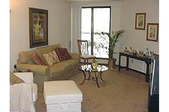 2 Bedrooms 2 Bathrooms Apartment for rent at Marshall House in Milwaukee, WI