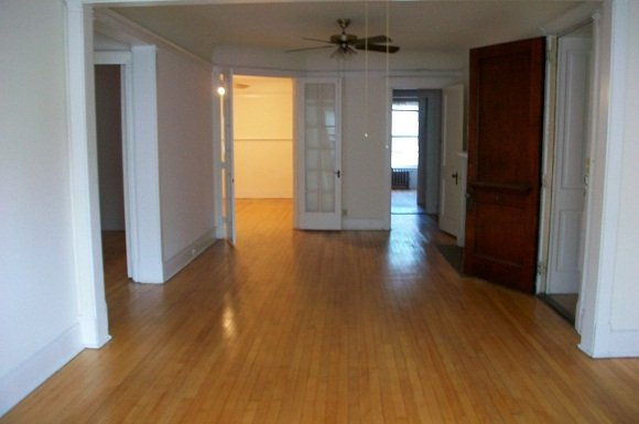 3 Bedrooms 1 Bathroom Apartment for rent at Pasadena Apartments in Milwaukee, WI