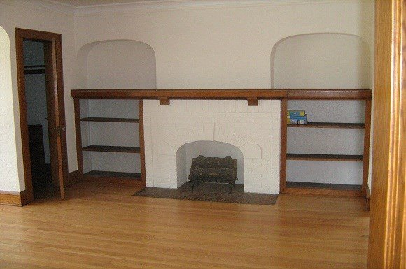 3 Bedrooms 1 Bathroom Apartment for rent at Bartlett Duplex in Shorewood, WI