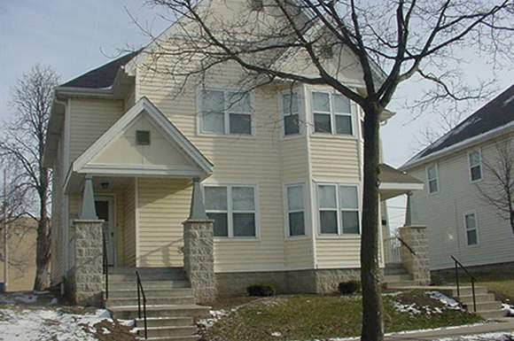 3 Bedrooms 1 Bathroom Apartment for rent at Beauchamp Phase I Townhomes in Milwaukee, WI