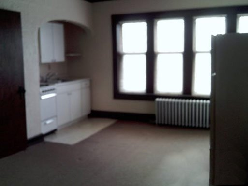 1 Bedroom 1 Bathroom Apartment for rent at Van-Lyon Apartments in Milwaukee, WI