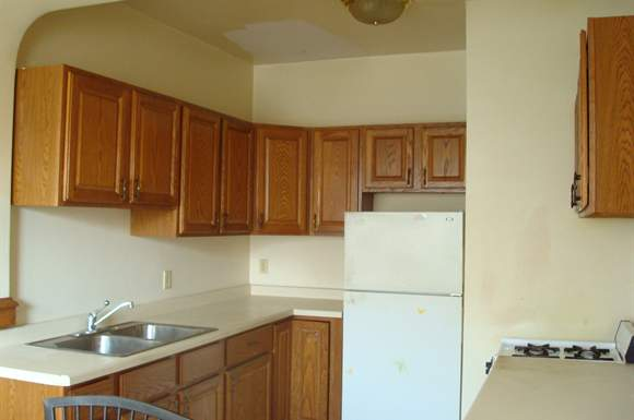 3 Bedrooms 1 Bathroom Apartment for rent at 1925-27 N. Prospect Apartments in Milwaukee, WI