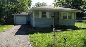 Similar Apartment at 4105 Downes Dr