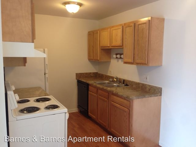 2 Bedrooms 1 Bathroom Apartment for rent at 2756 Golfside Rd in Ann Arbor, MI