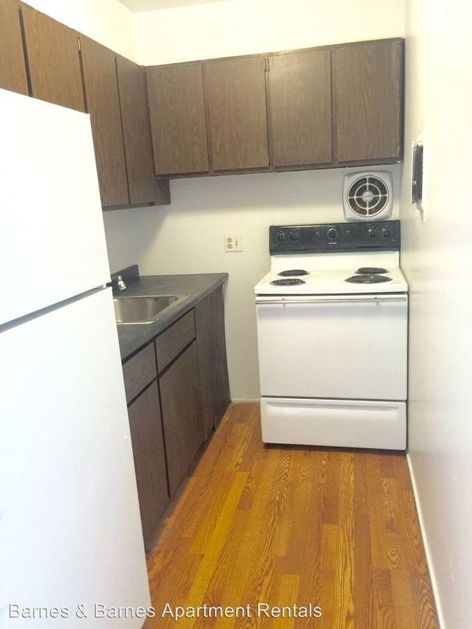 Studio 1 Bathroom Apartment for rent at 913 Washtenaw Ave in Ypsilanti, MI