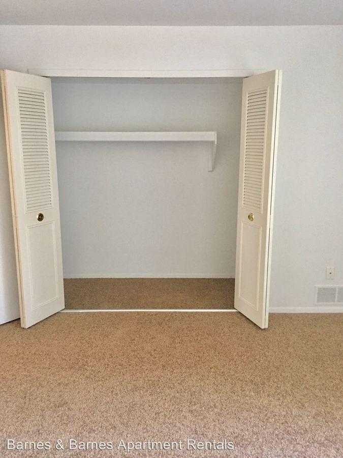 2 Bedrooms 1 Bathroom Apartment for rent at 609 Flint Rd. in Brighton, MI