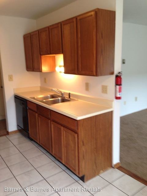 2 Bedrooms 1 Bathroom Apartment for rent at 2811 Golfside Dr in Ypsilanti, MI