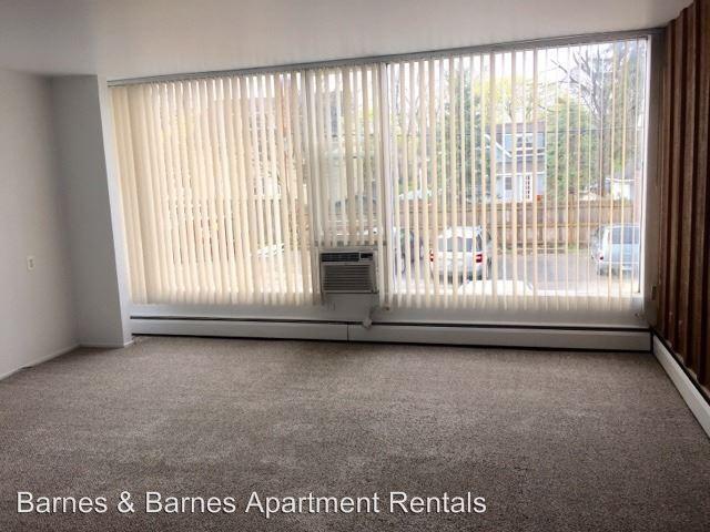 2 Bedrooms 1 Bathroom Apartment for rent at 913 Washtenaw Ave in Ypsilanti, MI
