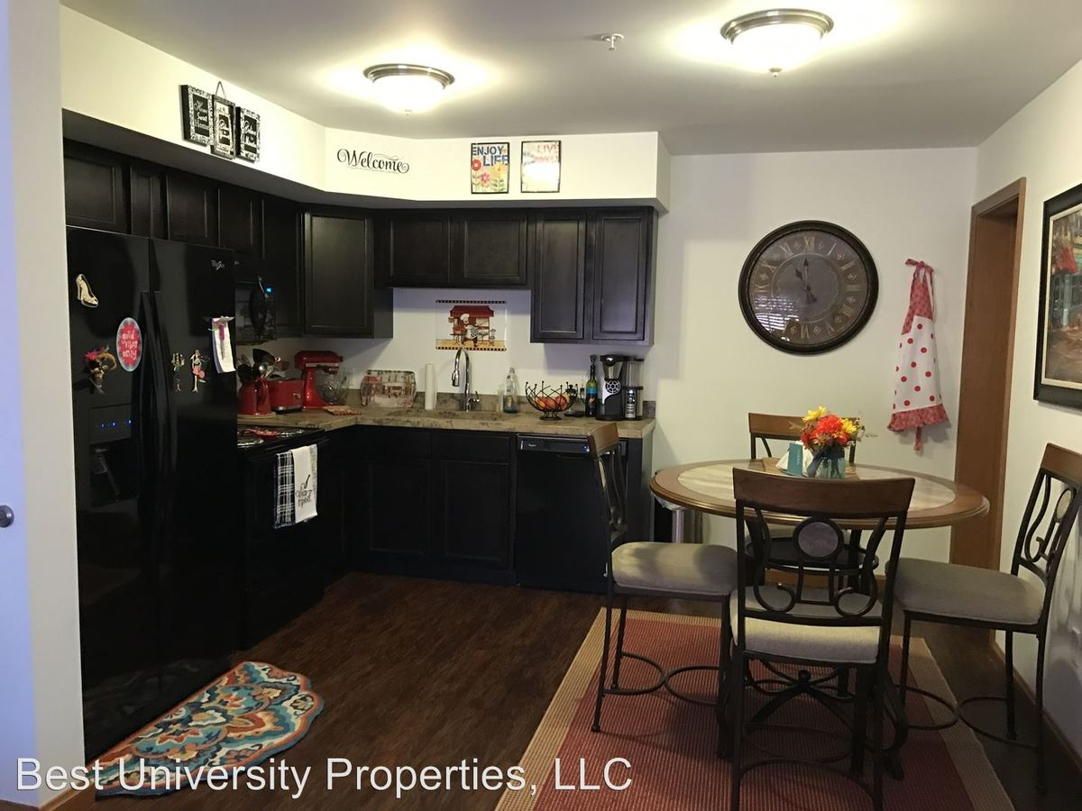 2 Bedrooms 2 Bathrooms Apartment for rent at 112 College Ave in Greensburg, PA