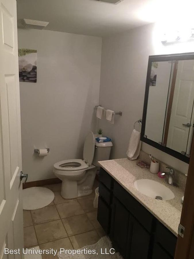 3 Bedrooms 2 Bathrooms Apartment for rent at 112 College Ave in Greensburg, PA