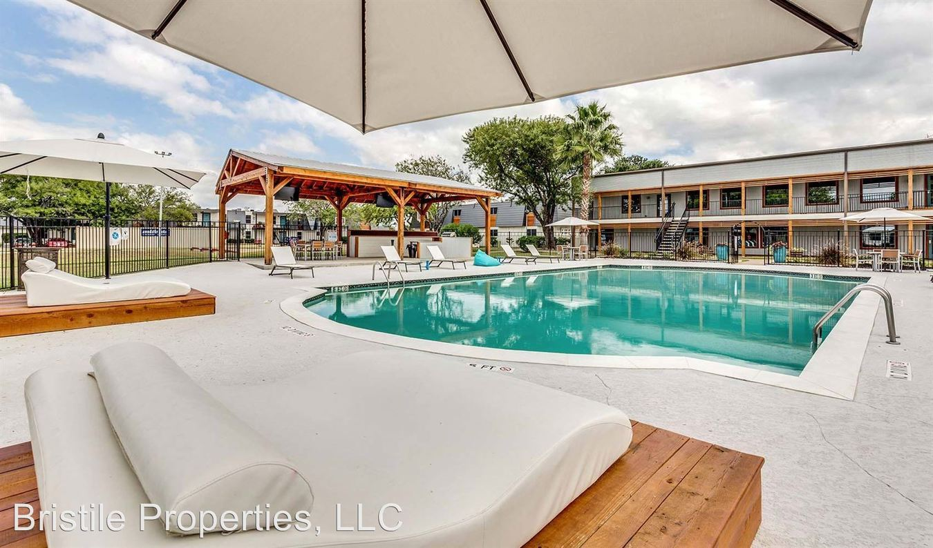 1 Bedroom 1 Bathroom Apartment for rent at Flats On 12 in College Station, TX