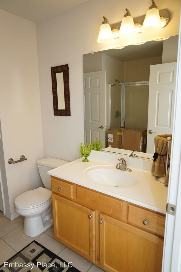 2 Bedrooms 2 Bathrooms Apartment for rent at Embassy Place 2219 Teakwood Circle Unit B in Highland, IN