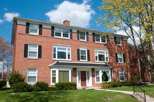 9010 W North Avenue Apartments