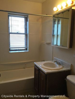 1 Bedroom 1 Bathroom Apartment for rent at 8432 W Lisbon Ave in Milwaukee, WI